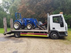 Tractor transport on the Beavertail HGV